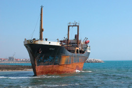 Grounded ship1
